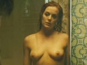 Julie Le Breton  nackt
