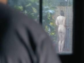 Julie Mond  nackt
