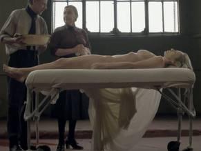 Nackt  Julieta Cardinali Mila kunis