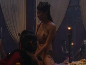 Leifennie Ang  nackt
