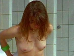 Nackt Lisa Wolf  Lisa Lipps