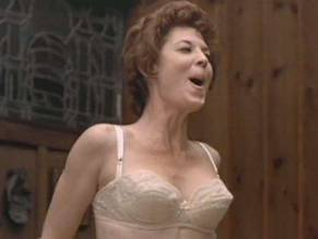 Lynn Carlin  nackt
