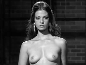 Thomas nackt Maia  Natural nude,