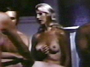 Mary Charlotte Wilcox  nackt