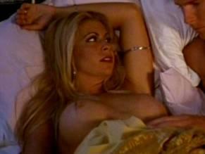 Melissa Mead  nackt