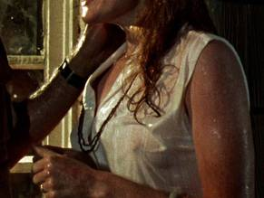 Miriam Healy-Louie  nackt