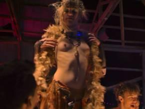 Sarah nackt Mayes CHINESE MODEL