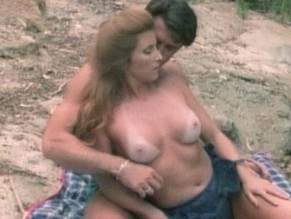 Shanna McCullough  nackt