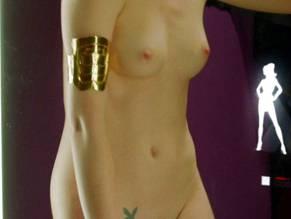 Sophie nackt Lonsdale-Ross SophieLR Female