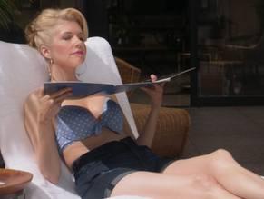 Susan Yeagley  nackt