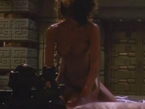 Predator 2 nude scene