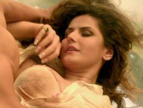 Zareen khan naked