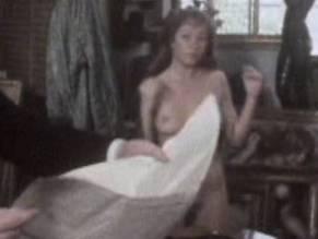 Hendry  nackt Zoe Giulia