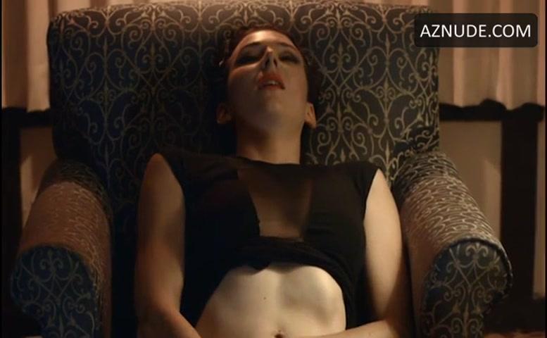 Ava Verne  nackt