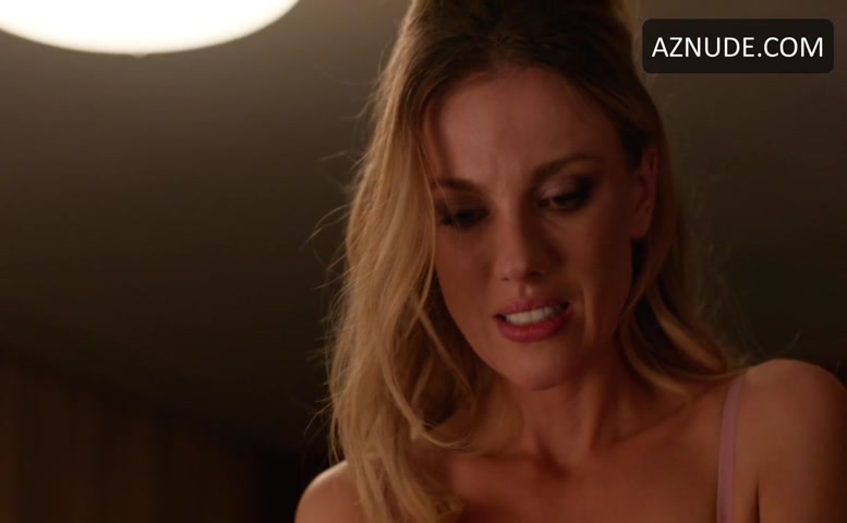 bar paly sex scenes