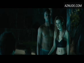 BELLA THORNE NUDE/SEXY SCENE IN RIDE