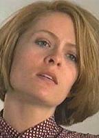 Jennifer Robertson  nackt