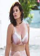Nikki Inwood  nackt