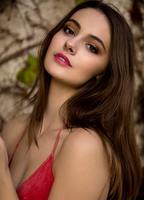 Frampton  Rose nackt Mia Charlotte OC