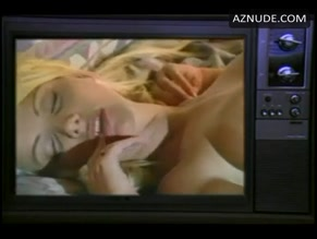 BRITTANY ANDREWS in EVE'S BEACH FANTASY(1995)