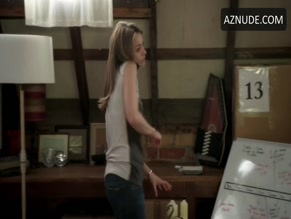 BROOKE TIA SILCOX in OFFSPRING