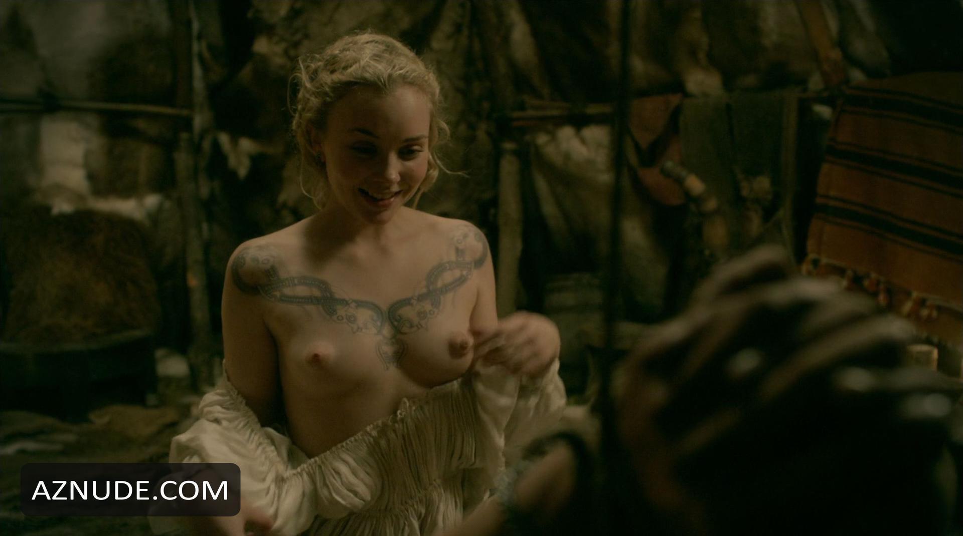 nude scenes vikings