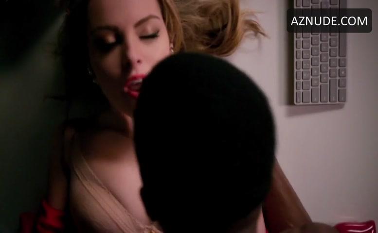 Elizabeth gillies nude