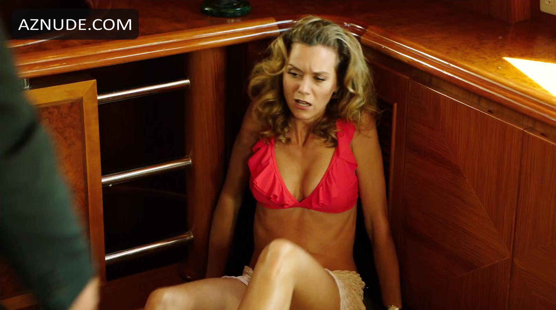 Amelia heinle liars poker topless 5