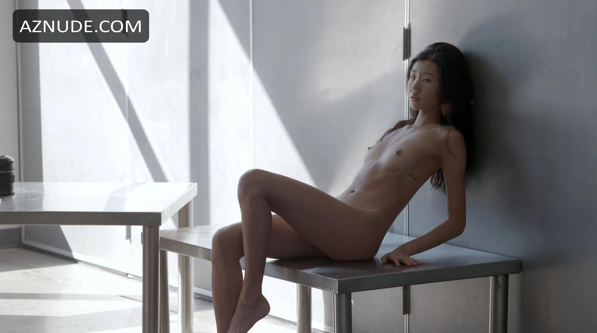 jeanie d nude