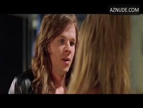 Jennifer Aniston lesbisk sex scen