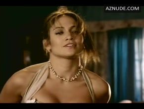 JENNIFER LOPEZ in MONSTER-IN-LAW(2005)