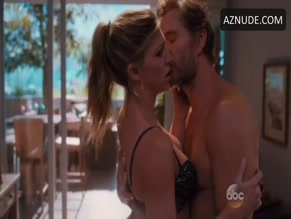 JES MACALLAN in MISTRESSES(2014-)