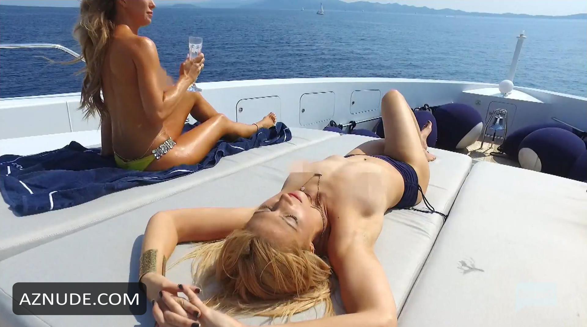 Nude on deck sex-3139