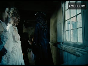LAURA-JAYNE ROSS NUDE/SEXY SCENE IN THE FAVOURITE