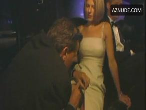 Enos  nackt Lisa Liza lapira