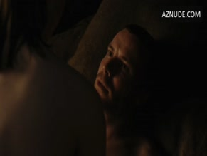 MAISIE WILLIAMS NUDE/SEXY SCENE IN GAME OF THRONES