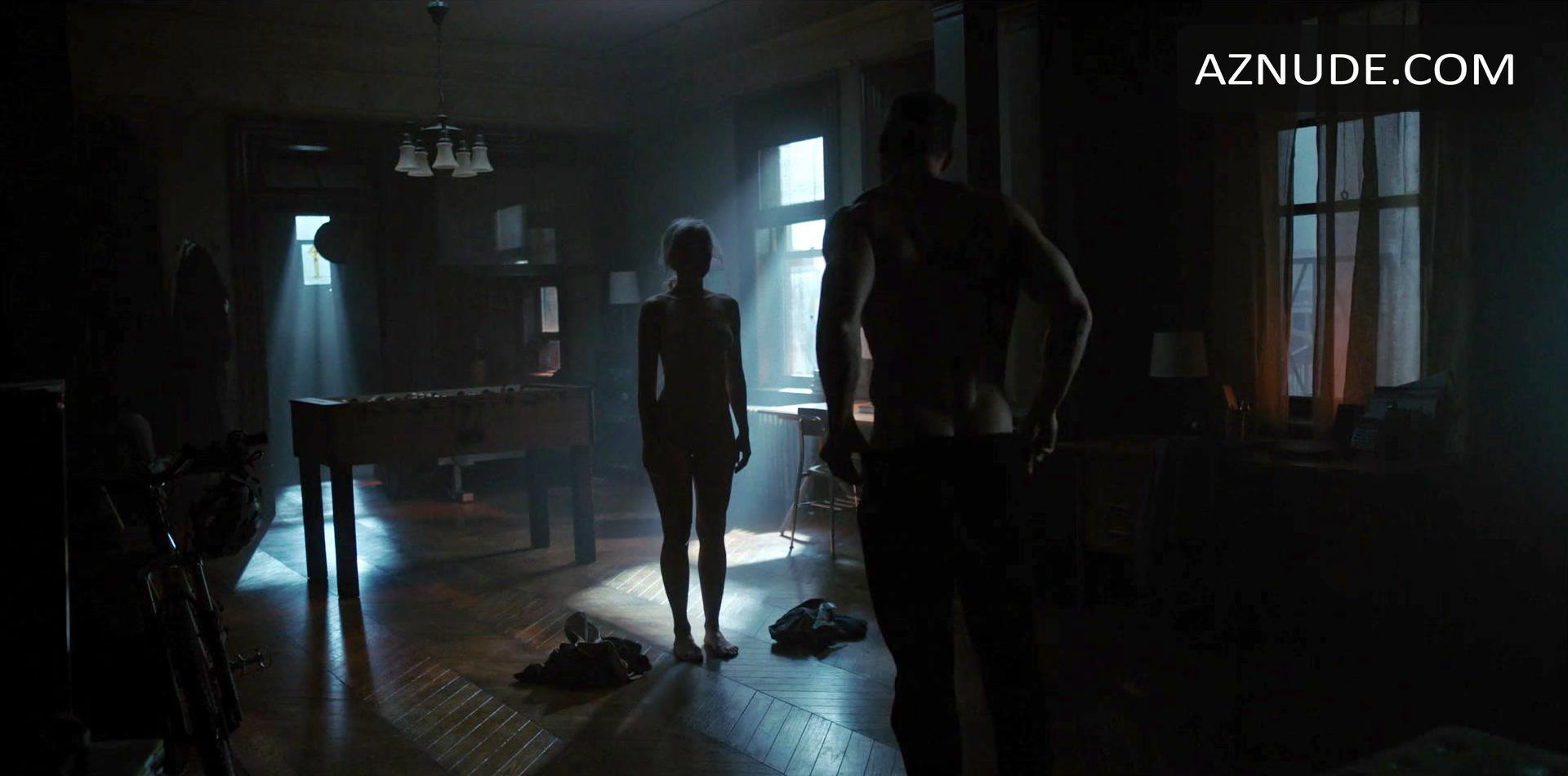 Sexy April Bowlby Nude Scene Scenes