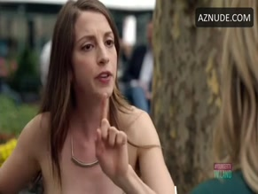 MOLLY BERNARD in YOUNGER (2015-)