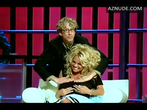 PAMELA ANDERSON in COMEDY CENTRAL ROAST OF PAM ANDERSON