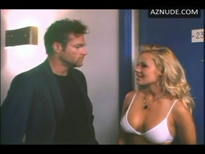 PAMELA ANDERSON in RAW JUSTICE(1994)