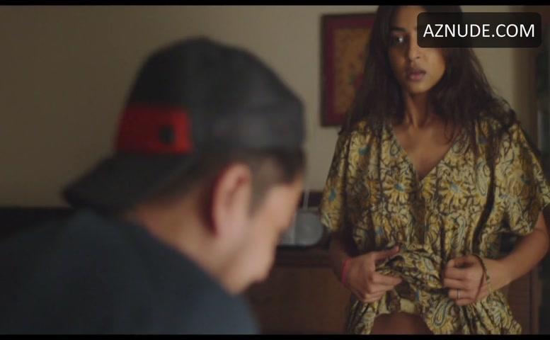Radhika Apte Bush Scene In Madly - Aznude-3003