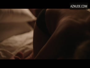 REMY BENNETT NUDE/SEXY SCENE IN NEWLY SINGLE
