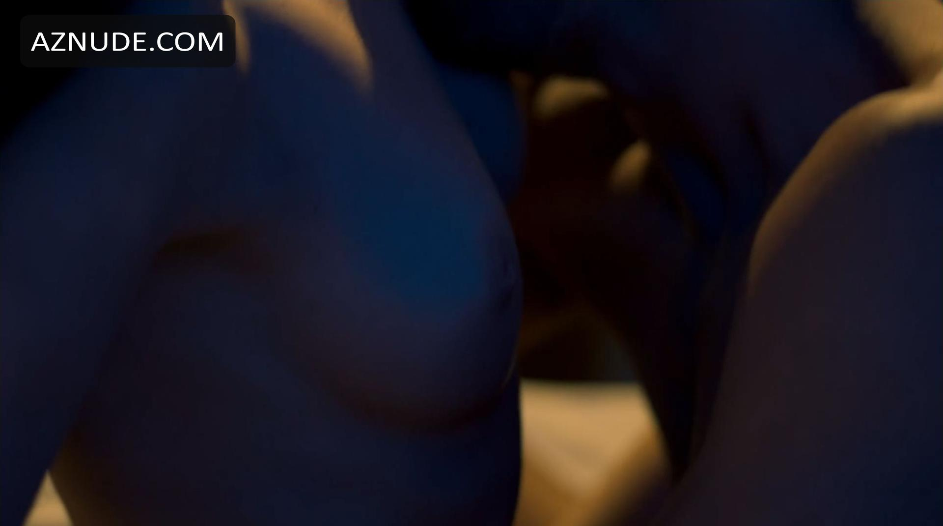 Multiple guys ejactulating in one vagina