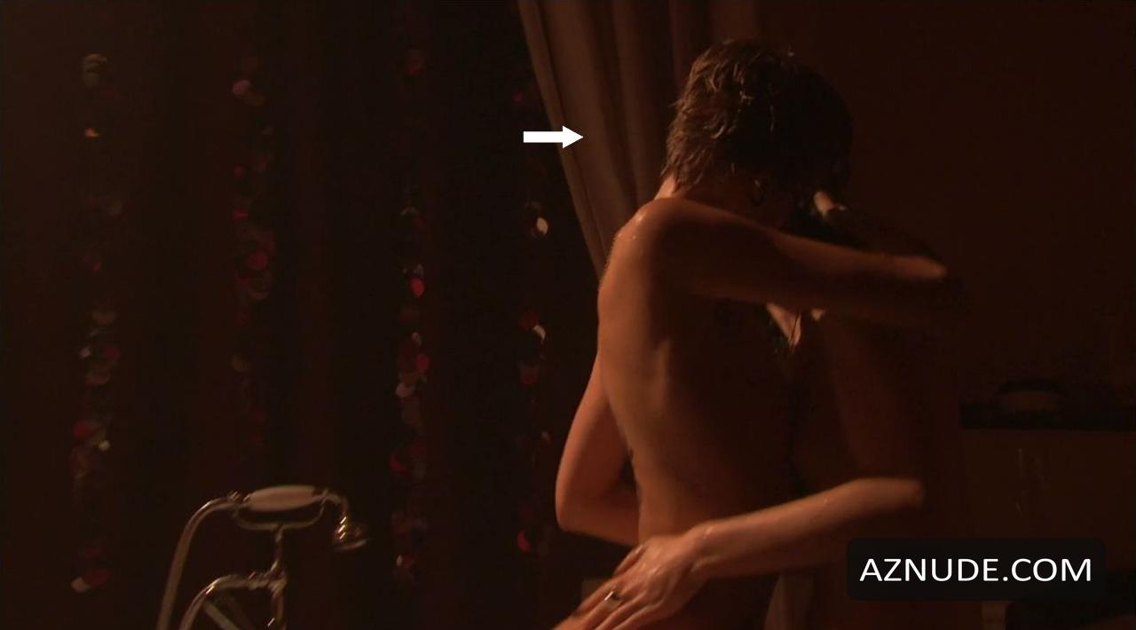 Ruta gedmintas and india wadsworth in a lesbian scene - 3 8