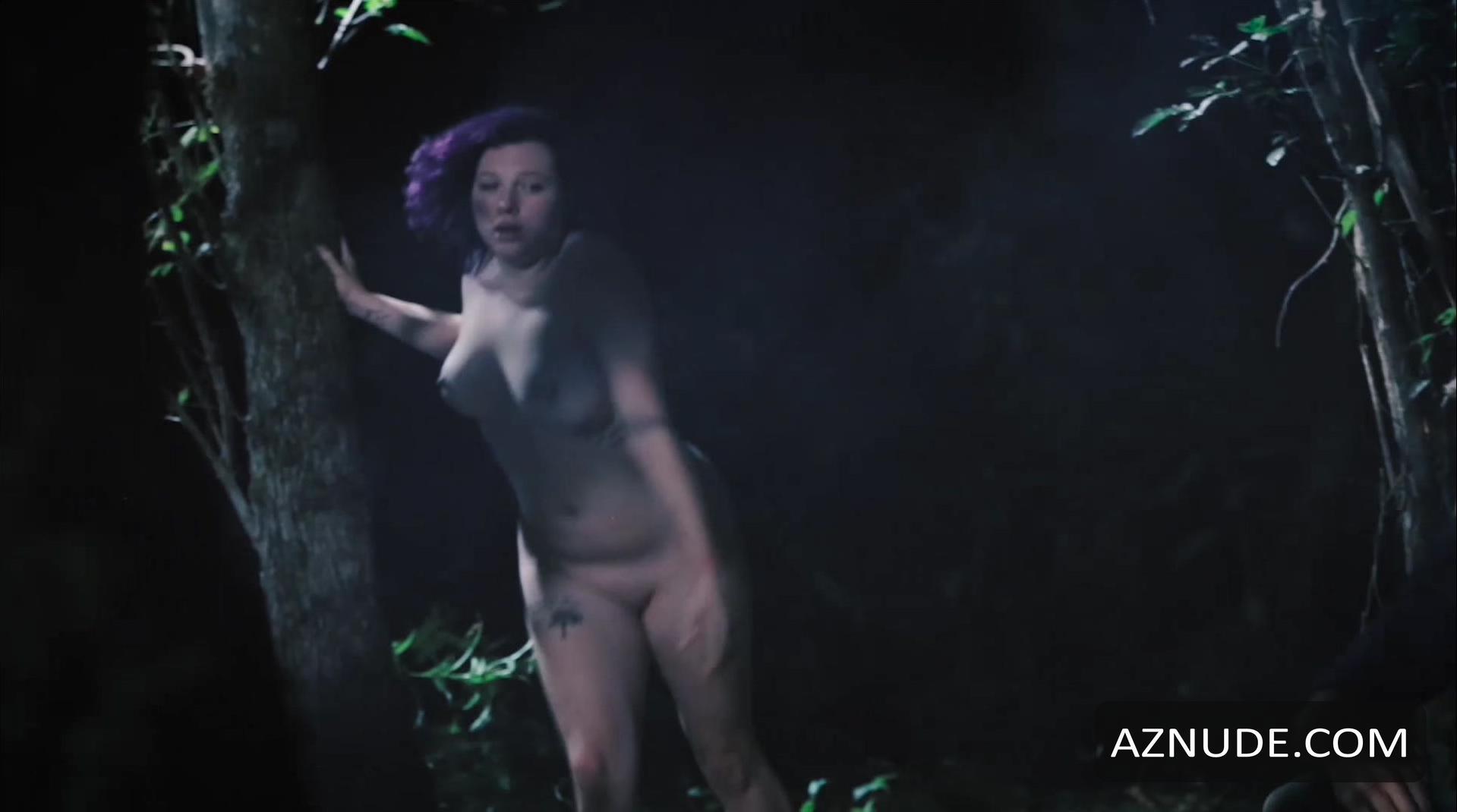 Sarah strange nude
