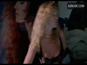 SHANNON TWEED NUDE/SEXY SCENE IN IN THE COLD OF THE NIGHT