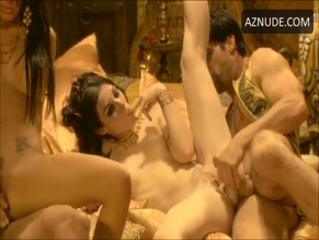 STOYA in PIRATES II: STAGNETTI'S REVENGE (2008)