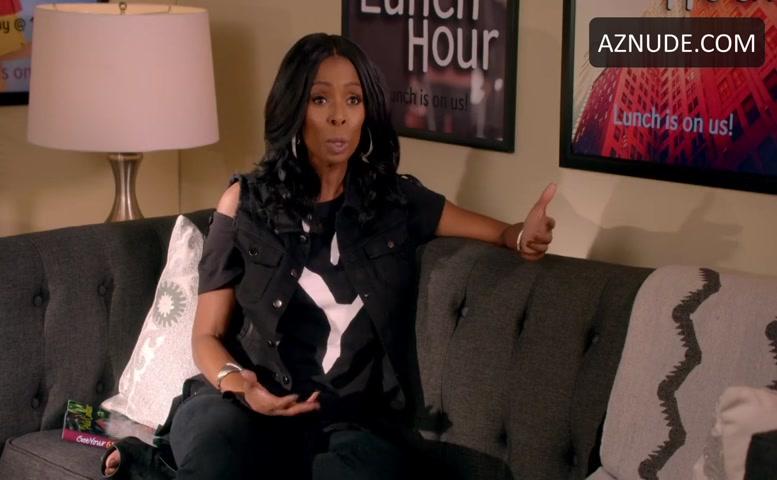 Tasha Smith Lesbian Scene In Daytime Divas - Aznude-6475