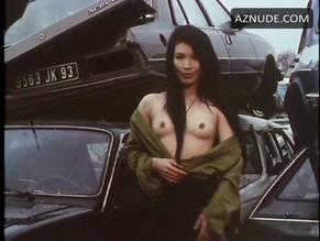 Tiki nackt Tsang naked volleyball